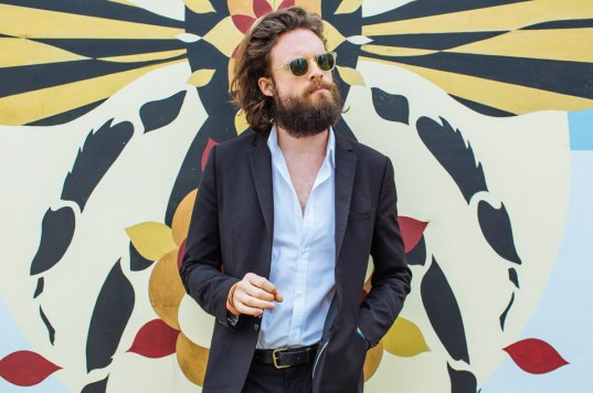 2015FatherJohnMisty_Web_Glasto15_9548_DB270615-1